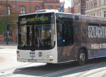 """W autobusach i tramwajach wraca """"ciepły guzik"""""""