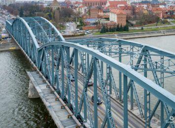 Prace na moście Piłsudskiego w Toruniu. Będzie ruch wahadłowy