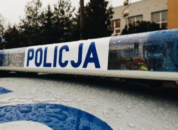 Poszukiwany 27-latek zatrzymany z narkotykami przez policję