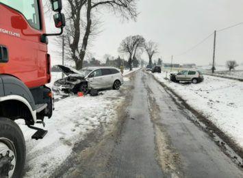 Zderzenie trzech aut w Zelgnie. 23-latka może stracić prawo jazdy