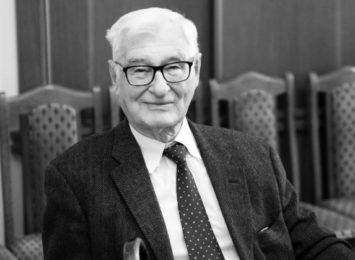 Nie żyje prof. Andrzej Kossakowski, fizyk związany z UMK w Toruniu
