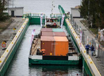 Towarowa barka wraca już do Gdańska