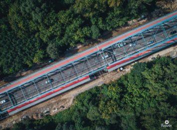 Nowy chodnik na moście
