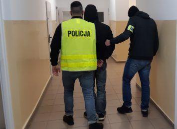 Nocna kradzież auta w Toruniu. Zatrzymano 29-latka