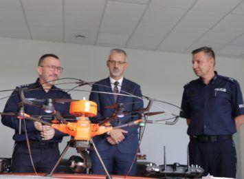 Policja w Dobrzejewicach ma drona do badania jakości powietrza